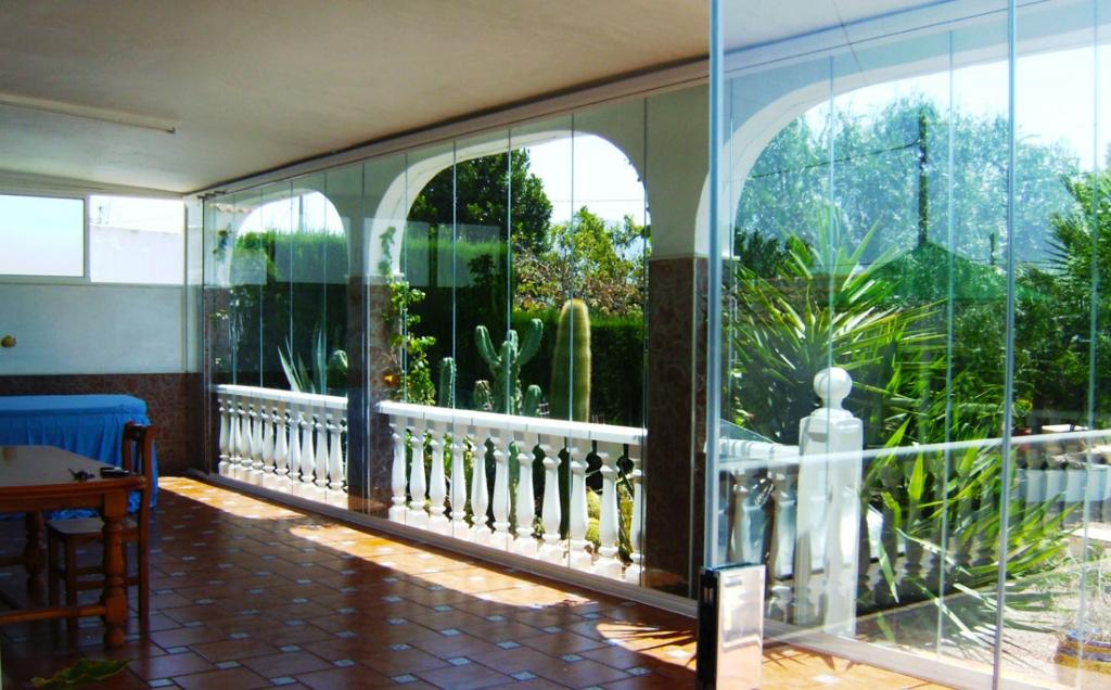 Glass curtains naya enclosure